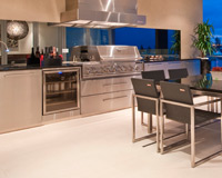 Glass splashback in contemporary kitchen