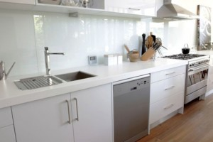 41-300x200 How Can You Prevent Messy Kitchen Walls
