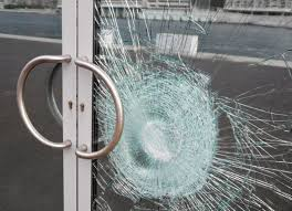 broken-laminated-glass Is your home built pre 1989? Then you need to read this.