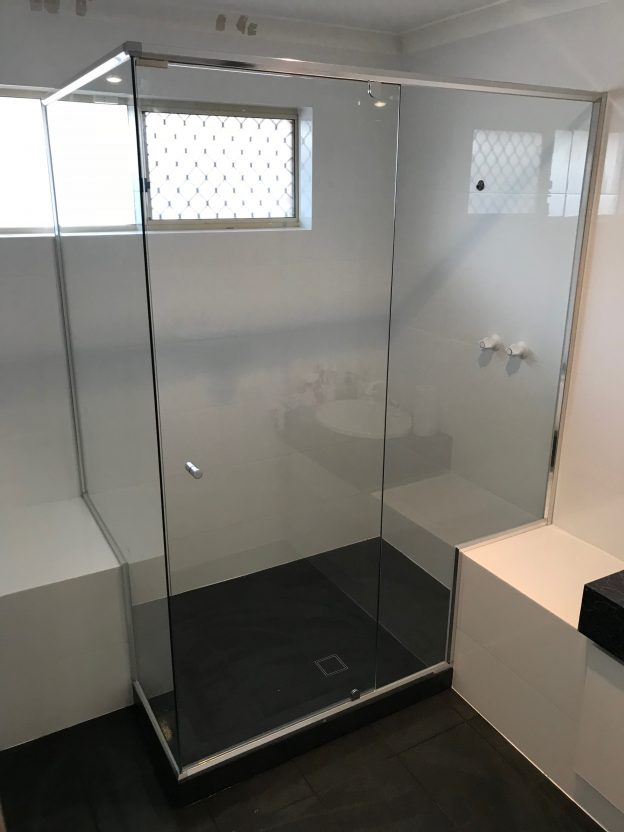 Semi Framless shower screen