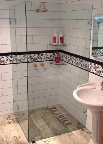 Shower-screen-frameless-3 Fully Frameless V2