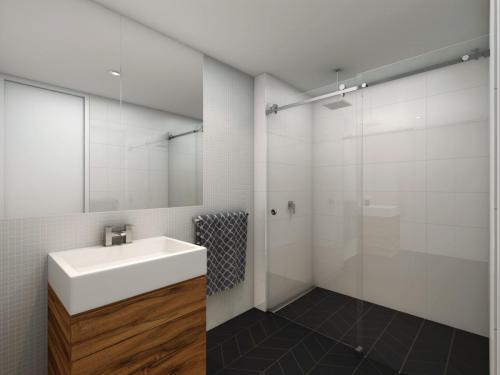 pivotech_manhattan_bathroom1 Frameless Sliding Shower