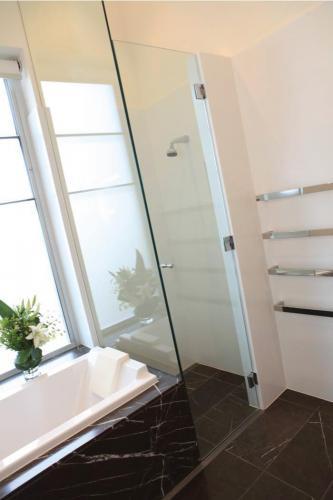 shower-screen-7 Fully Frameless